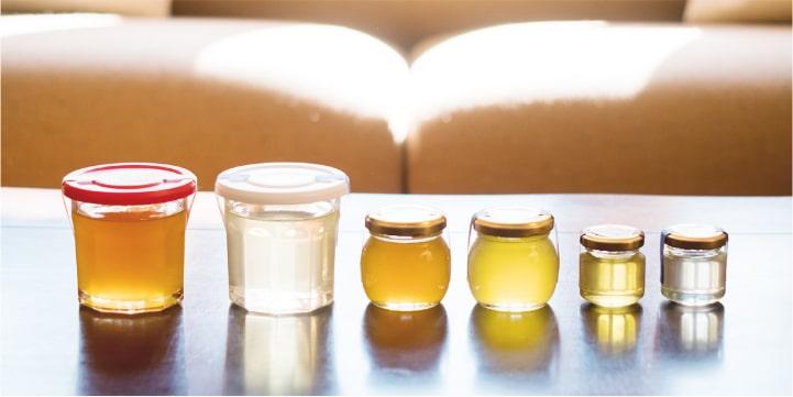 国産はちみつの通販サイト・ハニープラントの国産蜂蜜 商品開発へのこだわり はちみつの美しい色を楽しめる